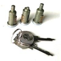 Jeu de 3 barillets de portes avec 2 clés pour Renault R4 4L Berline.